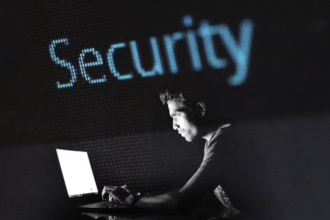 hacking-2964100_1920 (1)